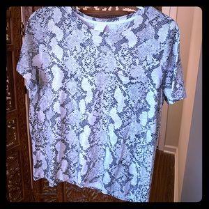 H&M pocket snakeskin T-shirt L